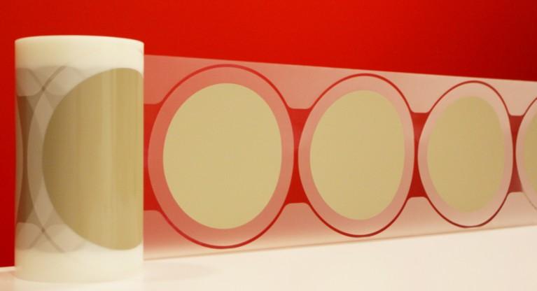 온도에 민감한 전자 제품에 적합한 저온 및 이중(UV) 경화 접착제