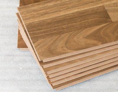 Montáž vrstvenej drevenej podlahy