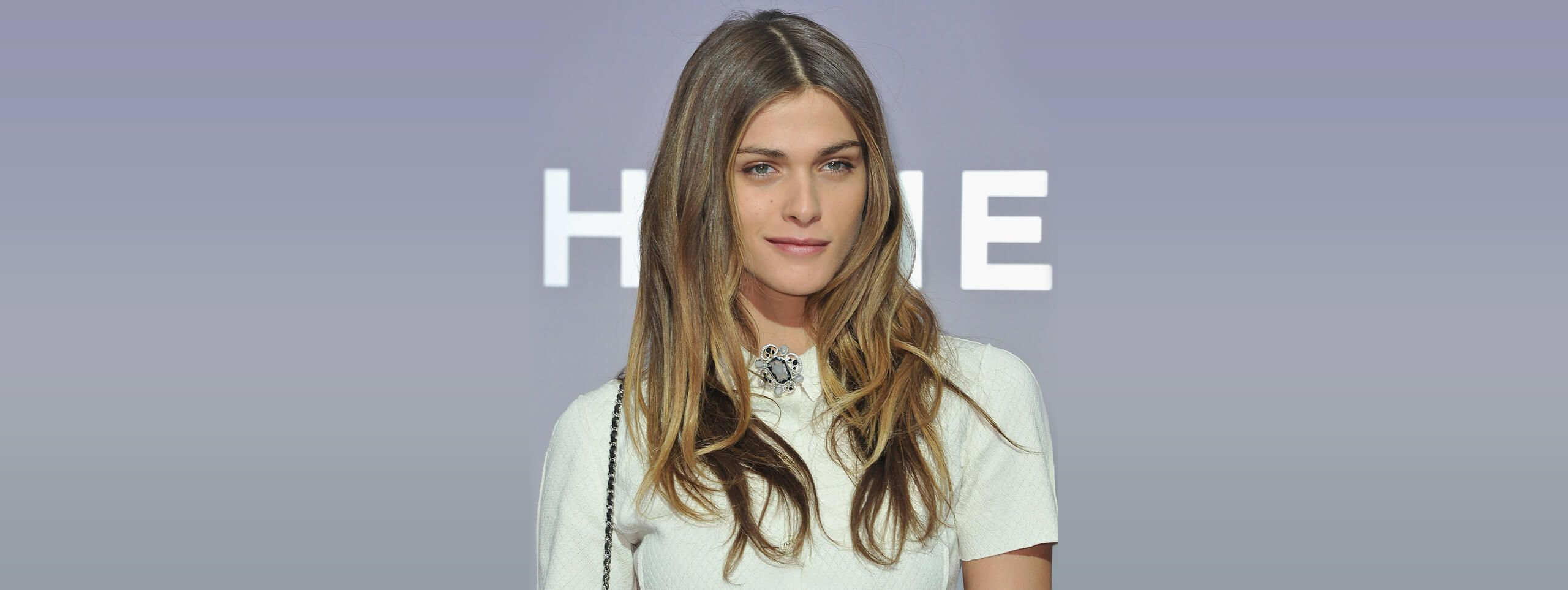 Elisa Sednaoui acconciature onde beach waves