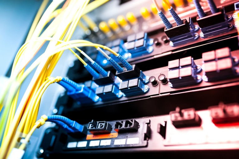 通訊和資料通信基礎設施