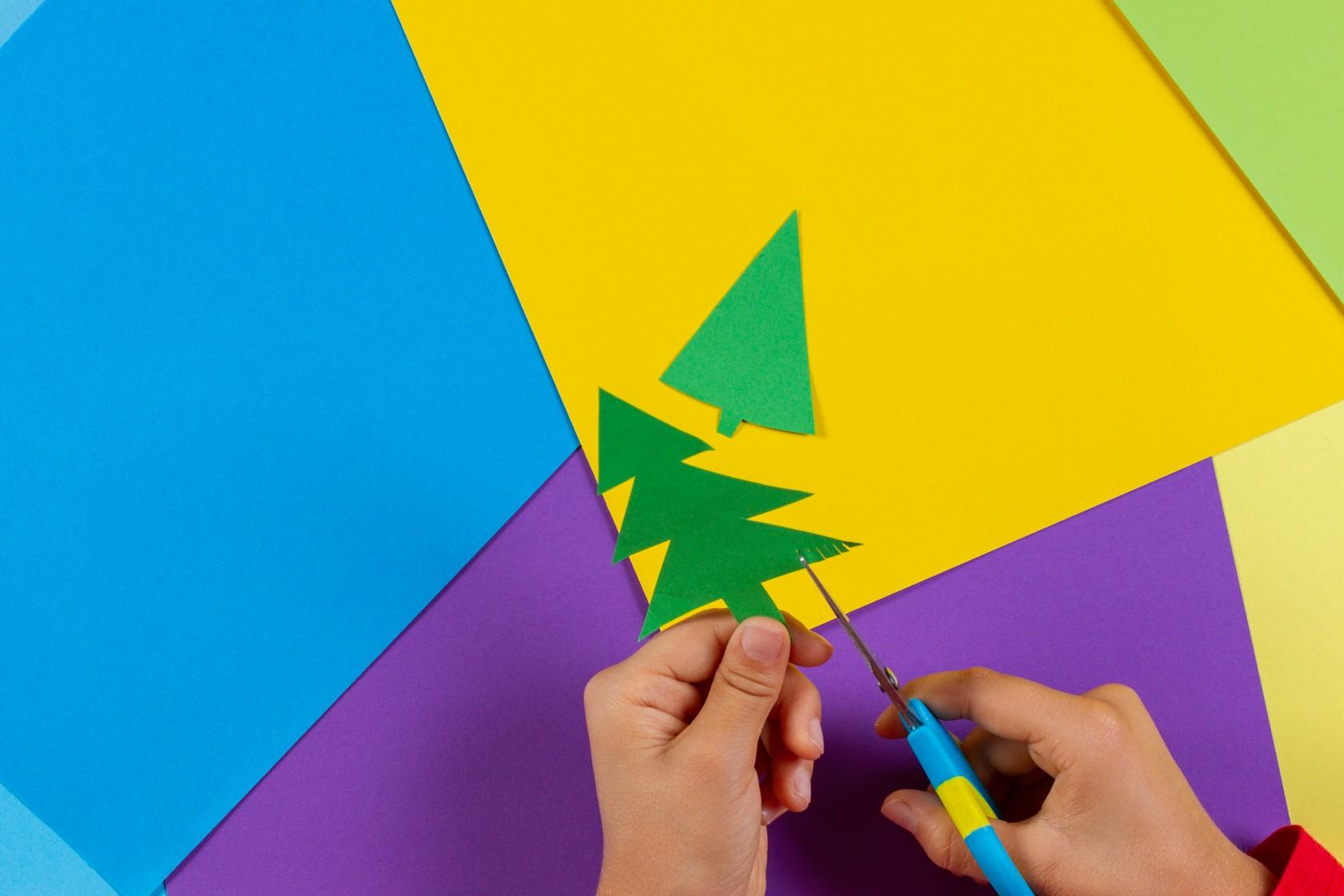 Formen ausschneiden für Weihnachtskarten