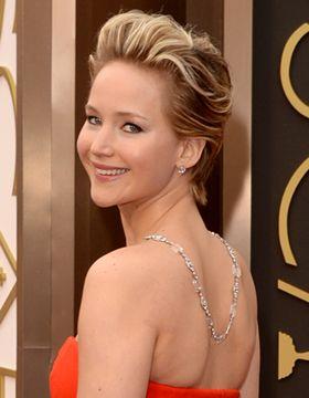 Jennifer Lawrence avec un balayage sur cheveux courts