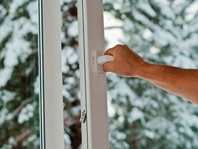 Nadchodzi zima: 4 sposoby zwalczania nadmiernej wilgotności w domu