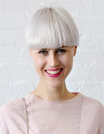 Beyaz Saçla Giden Moda Renkler