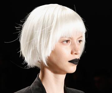 Haarfarbe-Weiss