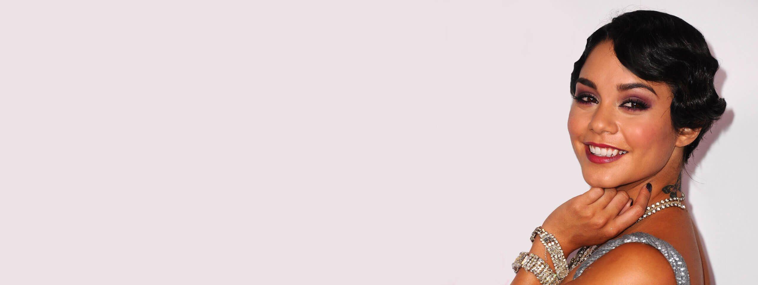 Vanessa hudgens coiffure crantée style années 20