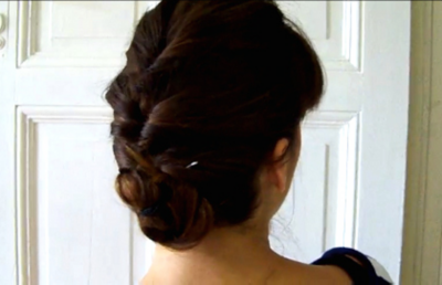 Bloggers show you how to create trendy updos
