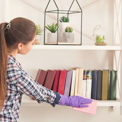 How to clean and organize bookshelves