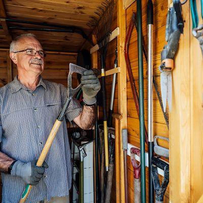 Jak najlepiej i najłatwiej czyścić i przechowywać narzędzia ogrodowe?