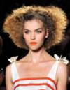Haarklammern und Haarwachs – mehr braucht es nicht!