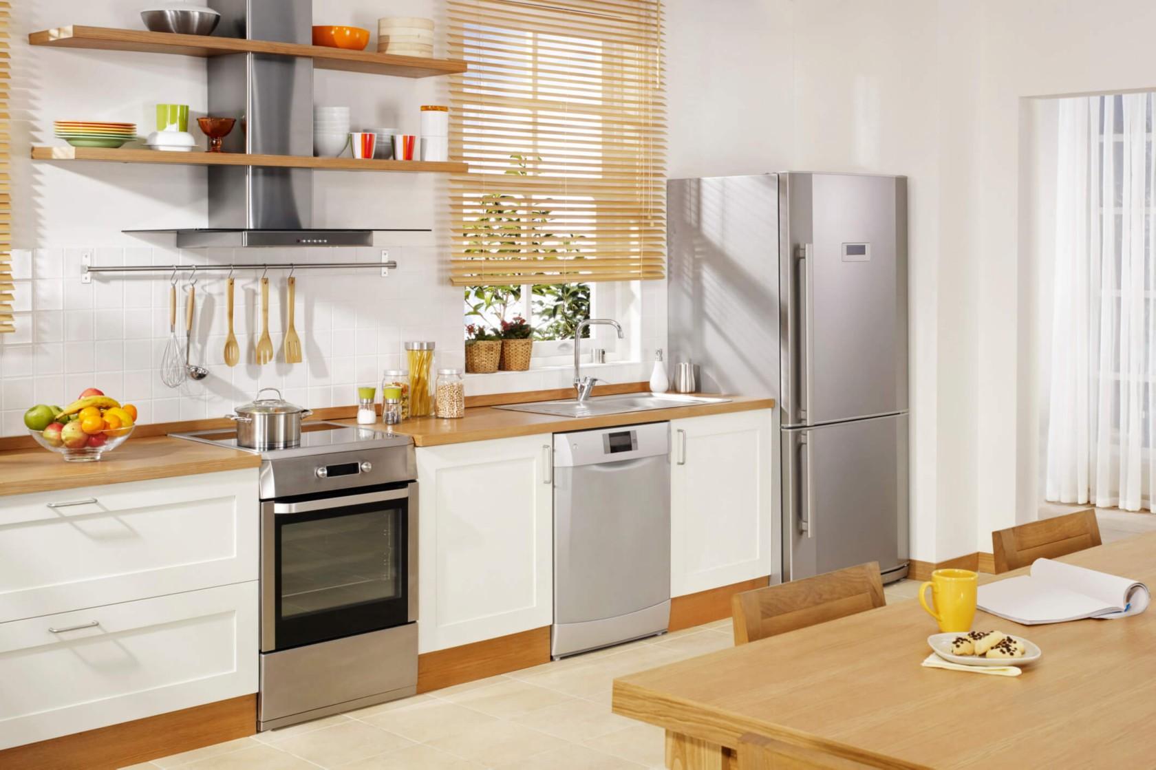 Küche mit Spülmittel reinigen