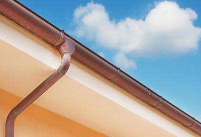 Calha de telhado feita de cobre