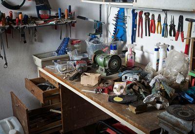 Messy glue tubes