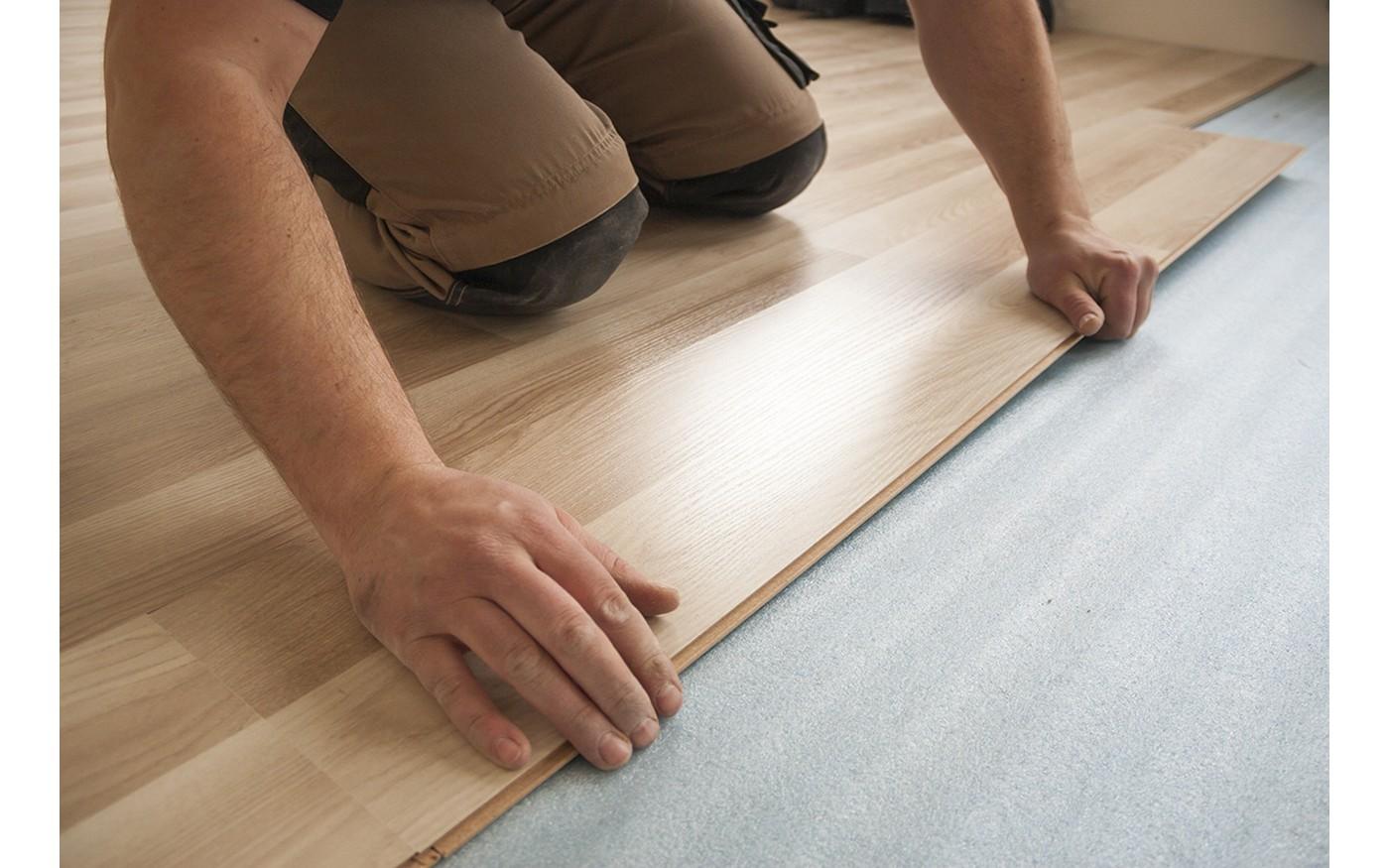 Gluing wood panels