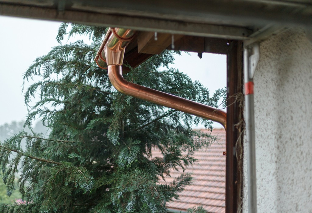 How To Fix Gutters Using Sealants