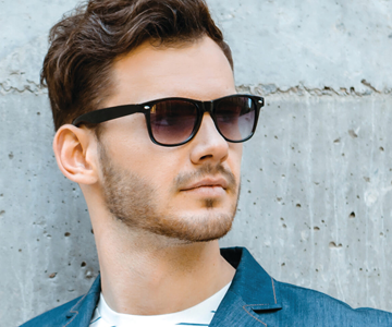 Male model with short hairstyle and a fringe