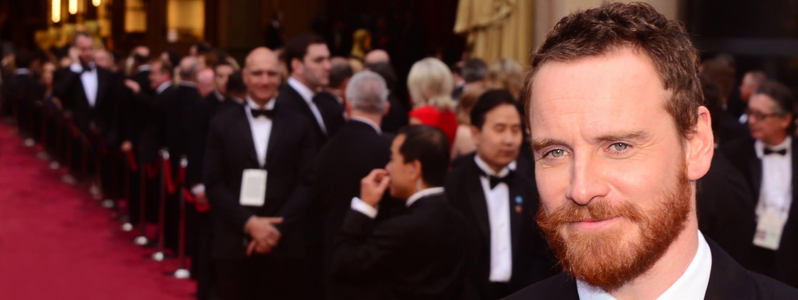 Michael Fassbender pelirrojo con barba
