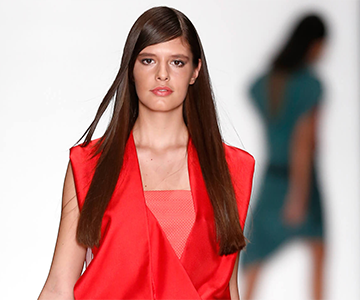 Model showcases beautiful straight hairstyle for long hair