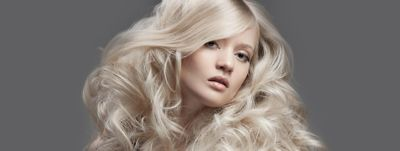 model-with-voluminous-blonde-hairstyle-wcms-us