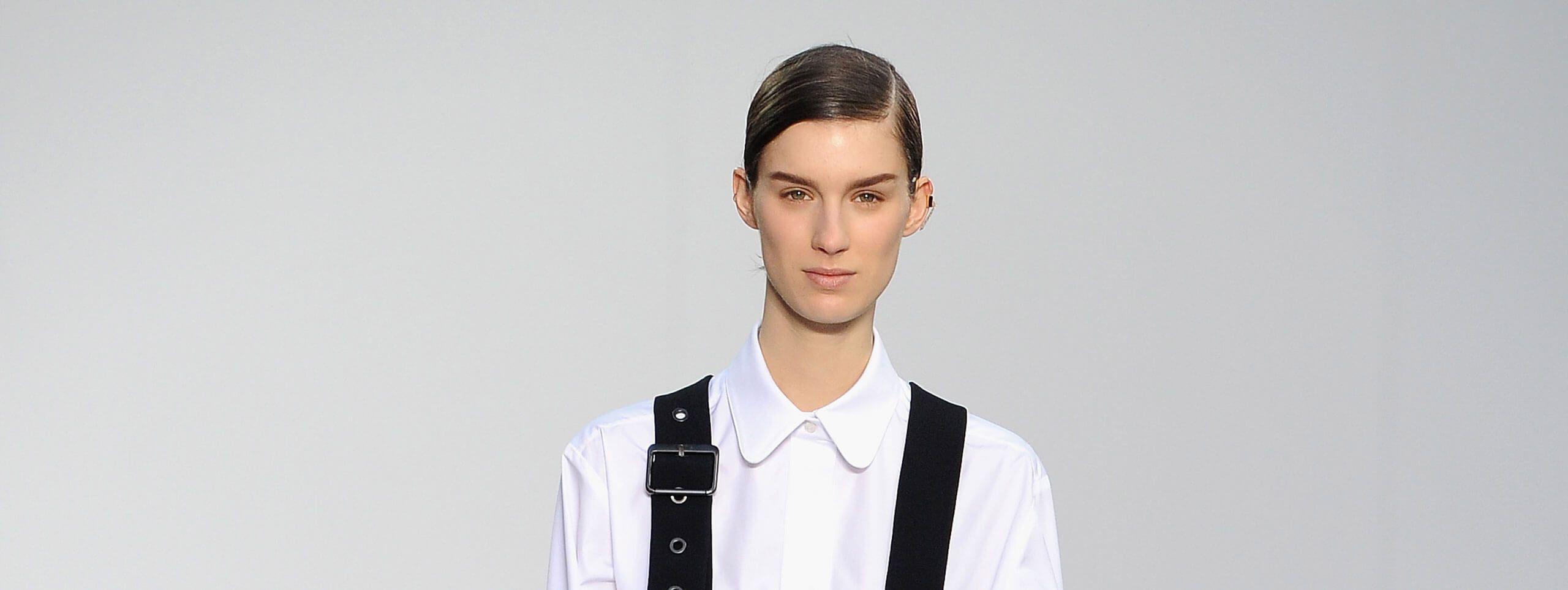 Modella con gel per capelli