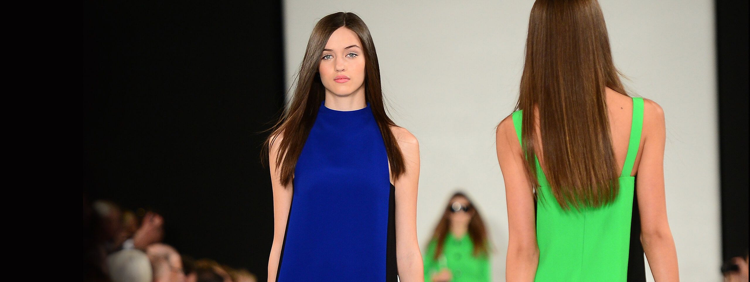 Modelos con diferentes tonos de color de cabello castaño