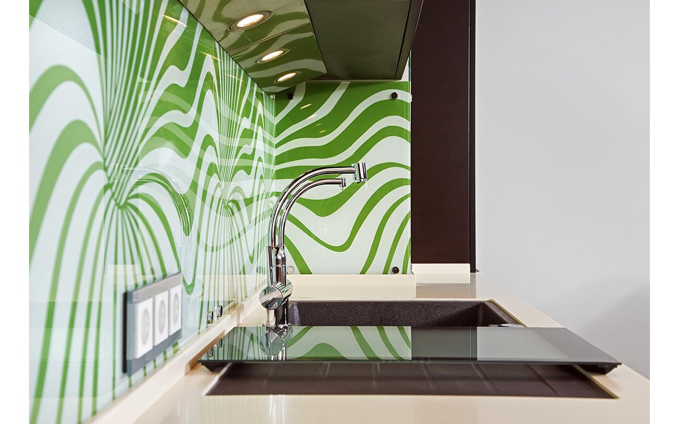 Küchenrückwand aus Glas in Kochnische