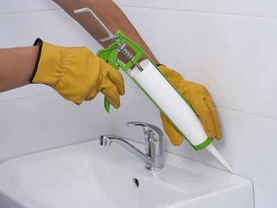 Waschbecken abdichten: So leicht geht's