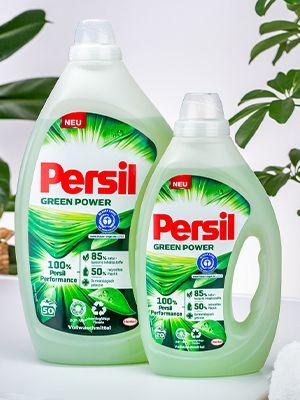 Zwei Flaschen von Persil Green Power Gel.