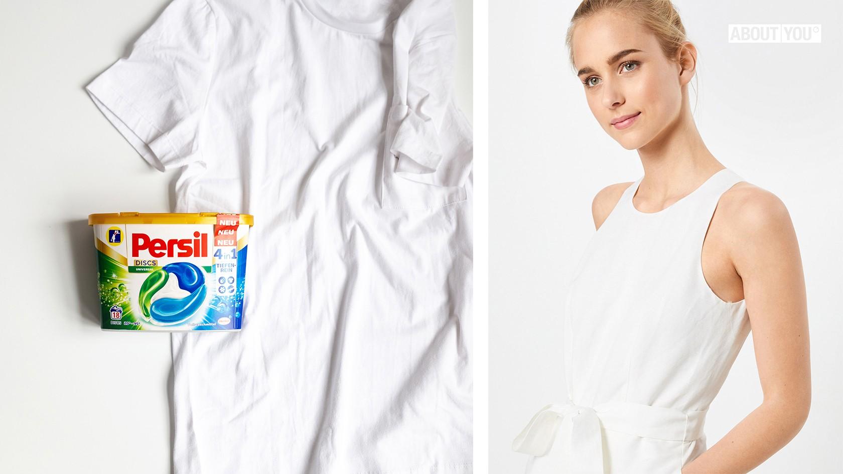 Persil 4in1 Discs neben einem weißen Shirt. Daneben: Eine blonde Frau in einem strahlend weißen, ärmellosen Oberteil.