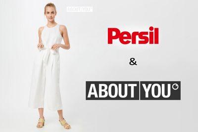 """""""Persil & ABOUT YOU"""" Schriftzug, links davon eine Frau in weißer Kleidung."""