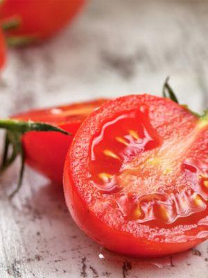 Masada yarım bir domates