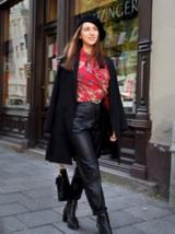 Ein blattförmiges Kissen gehört zur Fair-Fashion-Kollektion von Iryna Avetisyan