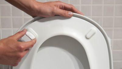 Ripara la tavoletta del wc