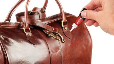 Come riparare una borsa di pelle?
