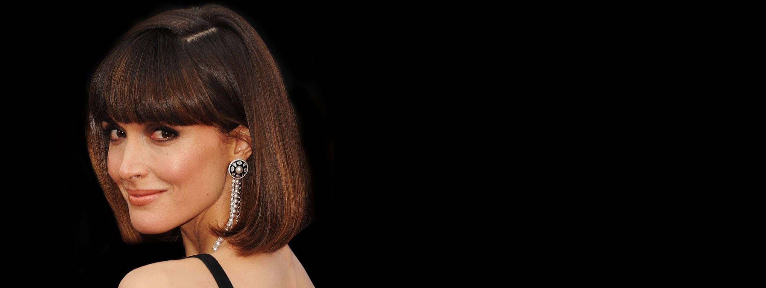 Rose Byrne z gładkim bobem z brązowych włosów