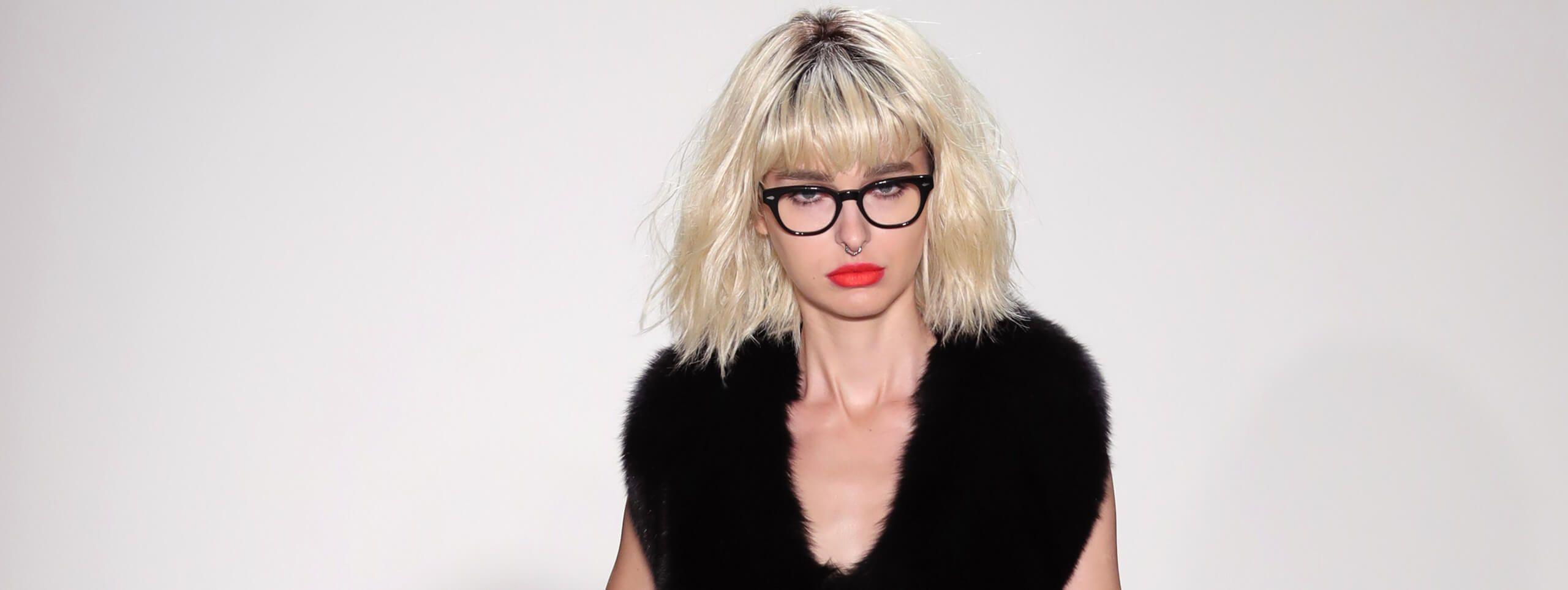 Sandy Powell capelli biondo platino