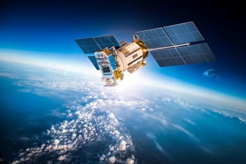 卫星:美国航空航天局的卫星俯视着地球