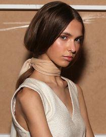 5 szybkich stylizacji długich włosów