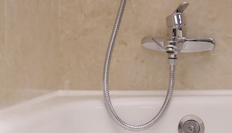 Sellar una bañera