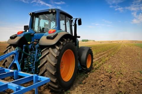 imagem ilustrativa de equipamentos agrícolas