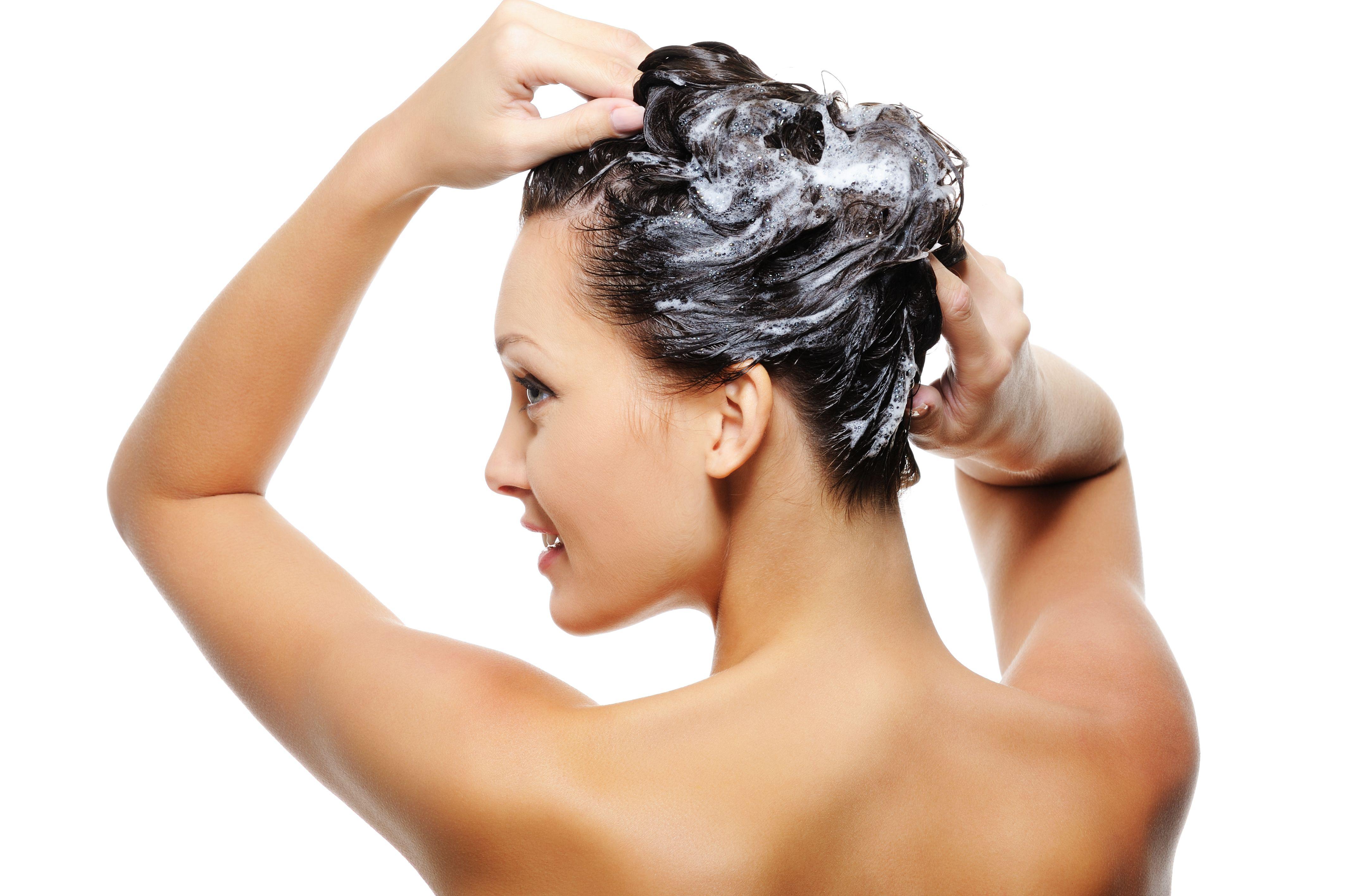Массаж головы во время мытья волос