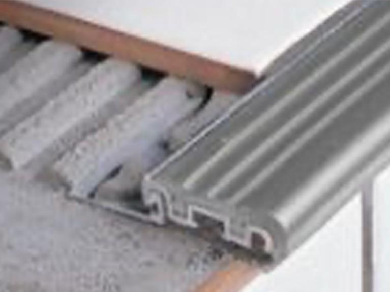 CS STAIRTEC FS30 A Aluminium mit Kunststoffeinsatz