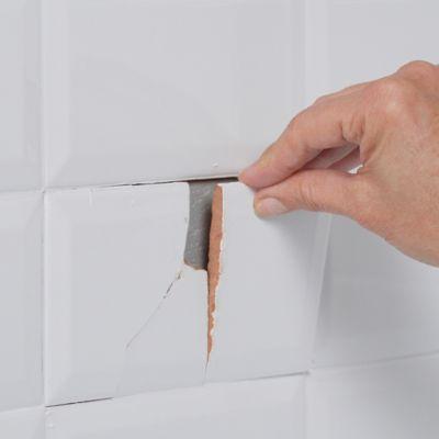 Ceramic tile repair: Take care of chips and cracks yourself!