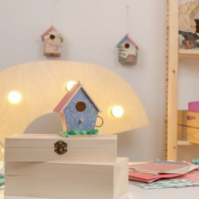 Making a birdhouse: Invite nature to your backyard