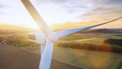 Az energiahatékonyság és a klímavédelem szerves részét képezi a Henkel fenntarthatósági stratégiájának. Több értéket kívánunk teremteni ügyfeleinknek és fogyasztóinknak, a közösségeknek és a vállalatunknak – miközben csökkentjük környezeti lábnyomunkat.