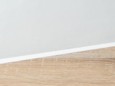 A handy guide to using white caulk around the house