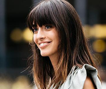 Use clarifying shampoo for beautiful hair